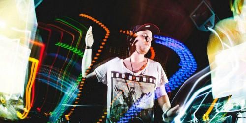 """Headliner Dave Replay will seine Plattenteller am 22. März bei """"Spring Vision"""" zum Glühen bringen."""
